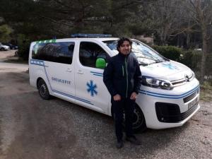 [Article de presse] Osama, réfugié syrien devenu auxiliaire ambulancier, chez Ambulances Dieulefitoises